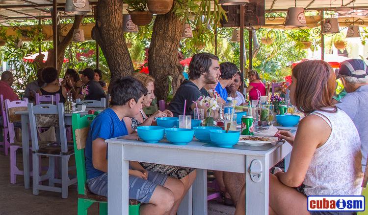 cuba recipes .org - La Paila, a Cuban Fonda in El Vedado, Havana city