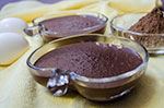 Try this delicious natilla de chocolate or chocolate custard family recipe. Preparation is very easy, only takes just about 15 minutes and result is so good you won't hesitate in doing it again and again. This delicious dessert is great for the little kids, but the rest of the family will love it too. Give it a try!